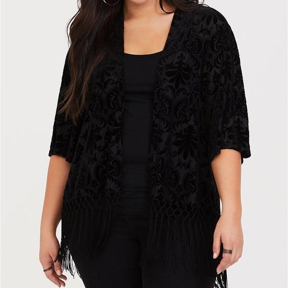 2c75dfdbd01 Torrid Black Velvet Fringe Kimono Size 5 6 28 30. NWT